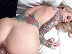 Sensual sarah jessie gets her pussy slammed