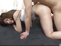 Asian babe gets her pussy pummelled