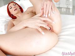 Redhead spotty kattie gold plays with herself