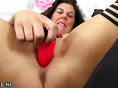 Bbw dildo fucks her warm pussy