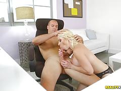 Office fuck with kinky beauty bunny