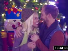 Teenfidelity stevie shae gets unwrapped for christmas