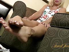 payton leigh, blonde, solo, mature, foot fetish