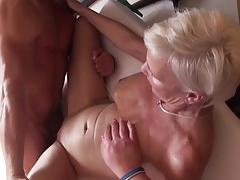 Threesome with mature swingers