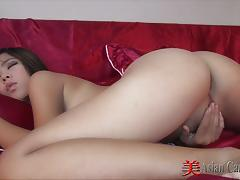Cock sucking thai bargirl fantasy