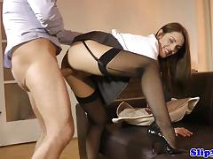 Stocking clad amateur gets her gets her pussy hammered