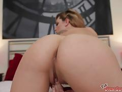 Tempting babe dahlia sky sucking hard cock