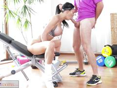 Fitnessrooms anal creampie session for busty milf