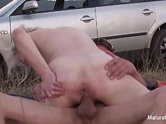 Wild babe fucked outdoors
