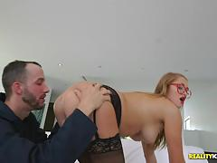 Cum guzzling kandace kayne blowing the hung locksmith
