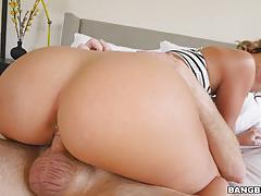 Jada stevens slobbering on a massive cock