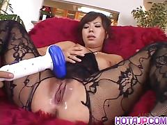 Japanese amateur gets her pussy toyed