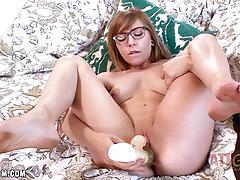 Randy ariel skye masturbating