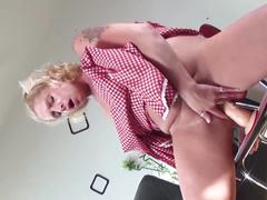 Kinky mature mother gets orgasm