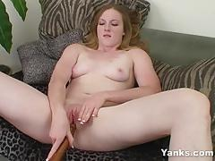 Randy amateur toys her pussy