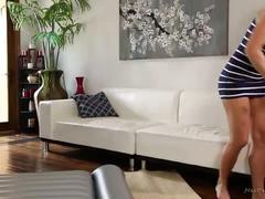 Olivia austin learning nuru massage from val dodds