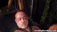 Inked muscle wolf raw fucked by leather bear