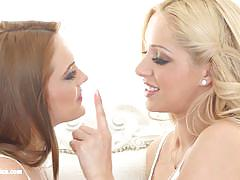 Natural beauties melanie gold and dominica fox lesbian lust