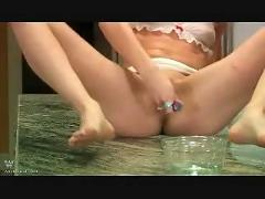 Lesbian sub toy and squirt