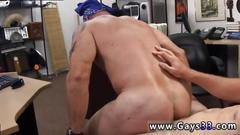 Straight hunk blows a giant ramrod for cash