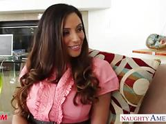Splendid mom ariella ferrera gets nailed on the couch