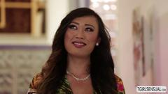 Asian venus lux shows her fucking skills