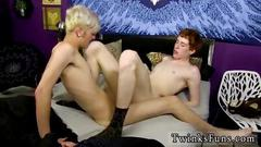 Sexy twink knows how to ride a cock like an expert