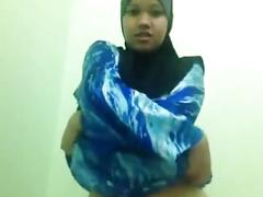 Malay - striptease hijabi