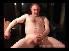 Mature amateur robert jacking off film