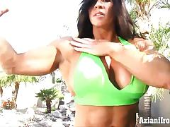 Sexy fit angel shows us her huge pussy and clit