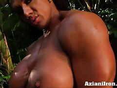 Sexy bulky amber strips down and rubs her puffy pussy
