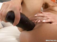 Kinky victoria puppy pussy gaped by huge dildo