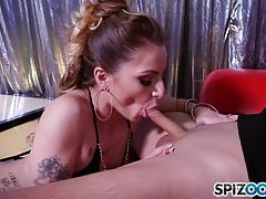 Stripper alana summers gets creamed on her sexy face
