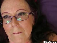 British granny savana still loves toying her old pussy