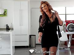Sexy milf phoenix marie slobbers all over cock