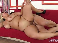 Big boobed babe gets her chubby pussy filled