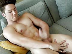 Muscled stud with ripped body wanking off