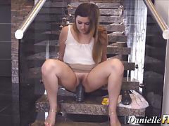 Pornstar rides huge dildo