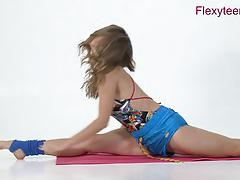 Teen shows how flexible she is