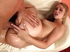 Charlee monroe has a nice juicy ass for banging