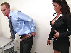 Kinky cougar boss gets fucked until she squirts