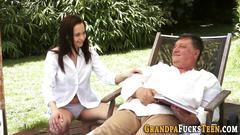 Whore gets railed by oldy