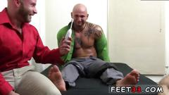 Muscle open legs gay drake tickles brother brayden