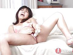 Cute 18 japanese squirting and moaning