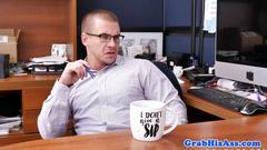 Top boss spitroasting office emloyee
