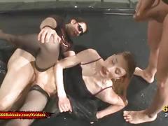 Skinny blonde whore is thirsty for pee - 666bukkake
