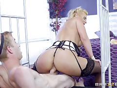 Hotel servicing monster cock for milf phoenix marie