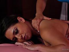 Sara luvv taken to hot orgasm by luna star