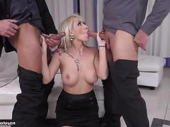 Double penetration for christina shine