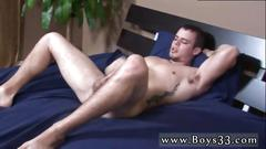 Horny dude wanks his rod and fingers his ass solo